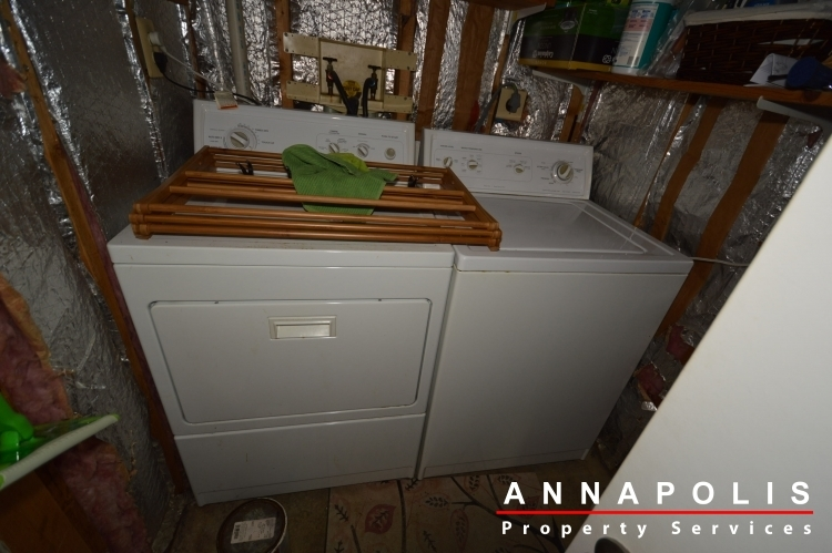 1315-old-pine-court-id922-washer-and-dryer