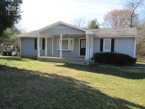 single-family home for Rent in Winston Salem