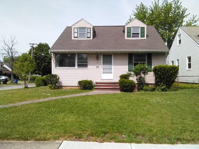House for Rent in Beachwood