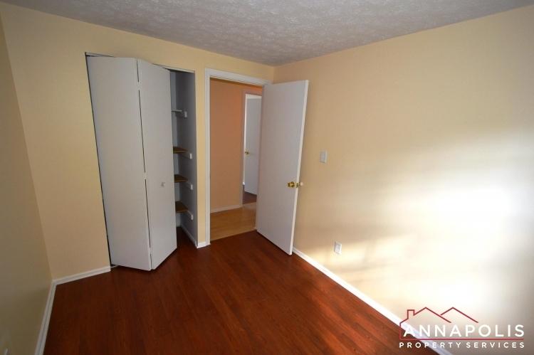 1581-star-pine-drive-id937-bedroom-2b(2)