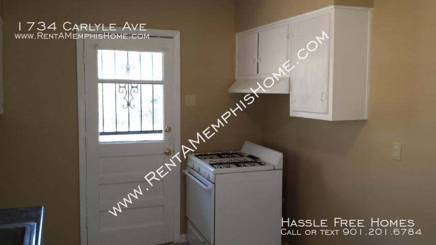 1734 carlyle   kitchen2