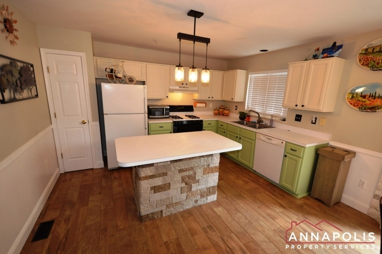 641-howards-loop--id939-kitchen-a(2)