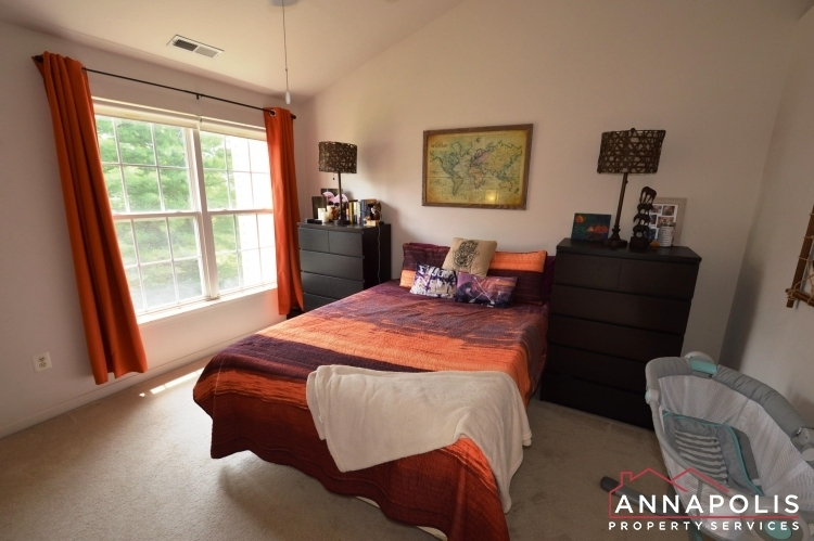 641-howards-loop--id939-master-bed-a(2)
