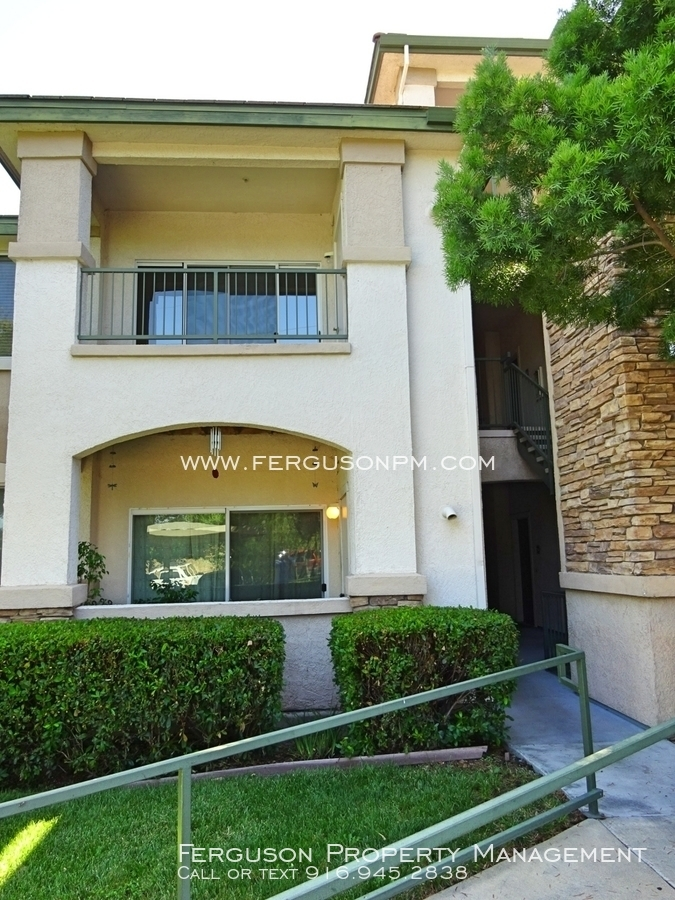 Condo for Rent in Roseville