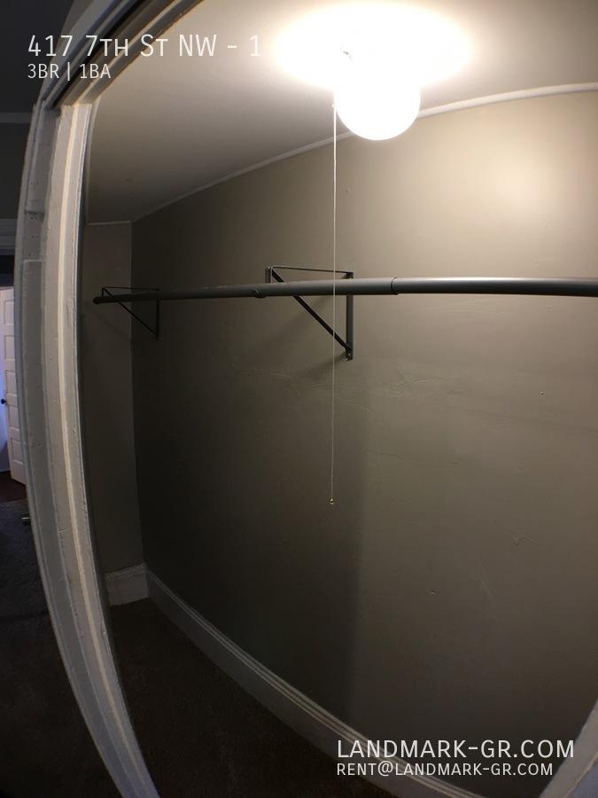 Closet_1-3