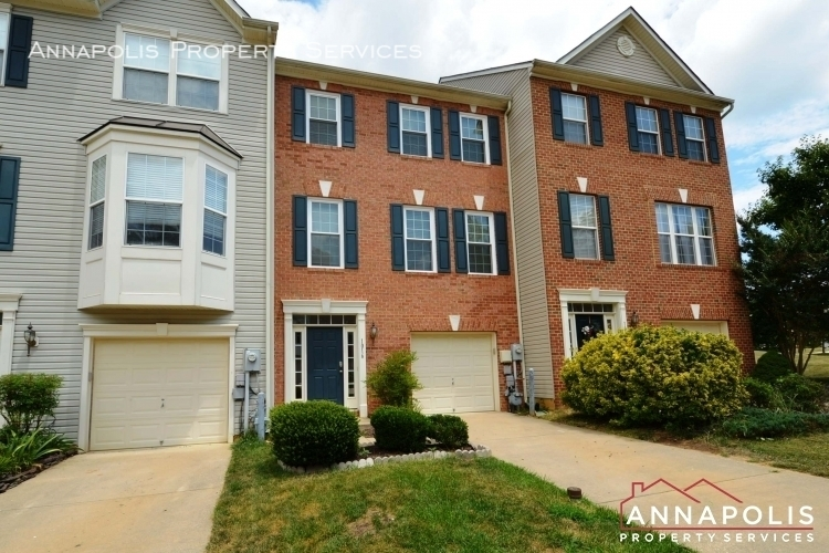 1016 meandering way id948 front d