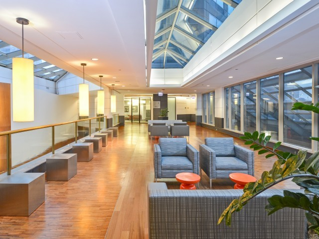 Presidential-towers-chicago-il-multiple-resident-lounge