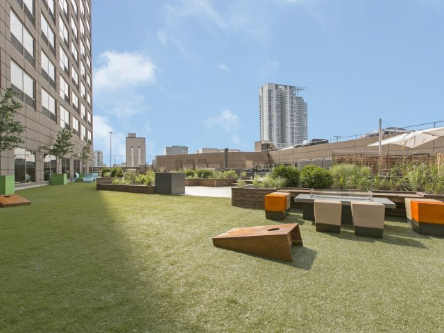 Presidential-towers-chicago-il-newly-designed-outdoor-space