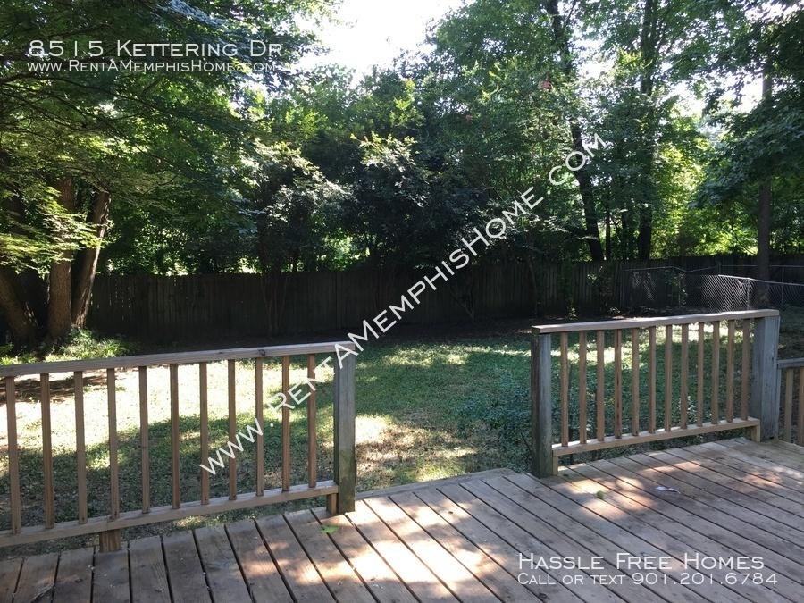 2018-07-05_deck_and_backyard