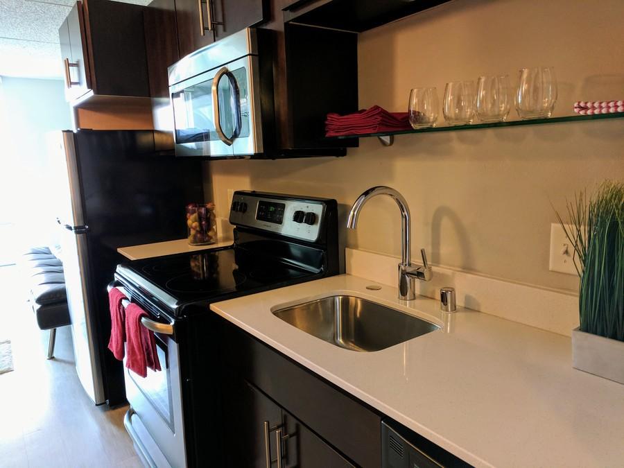 140-703_kitchen_-_copy