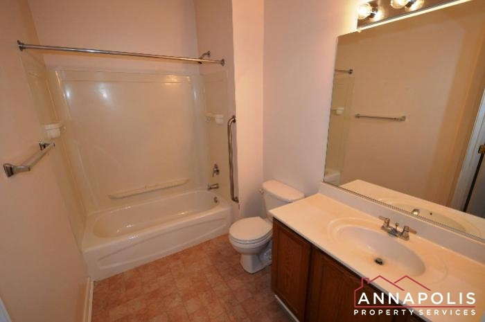801-latchmere-court-102-id168-master-bath-an