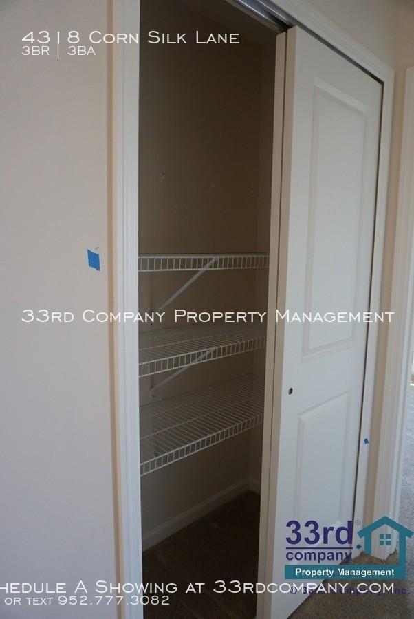 16_-_upstairs_hall_closet