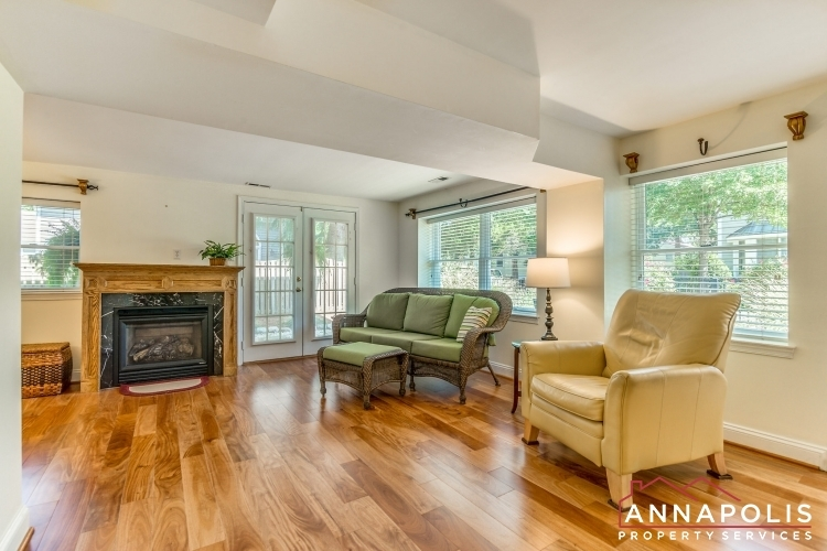 1106-miami-ave-id971-living-room-a