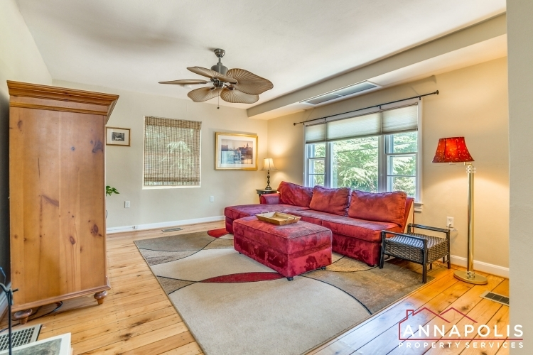 1106-miami-ave-id971-family-room-a(2)