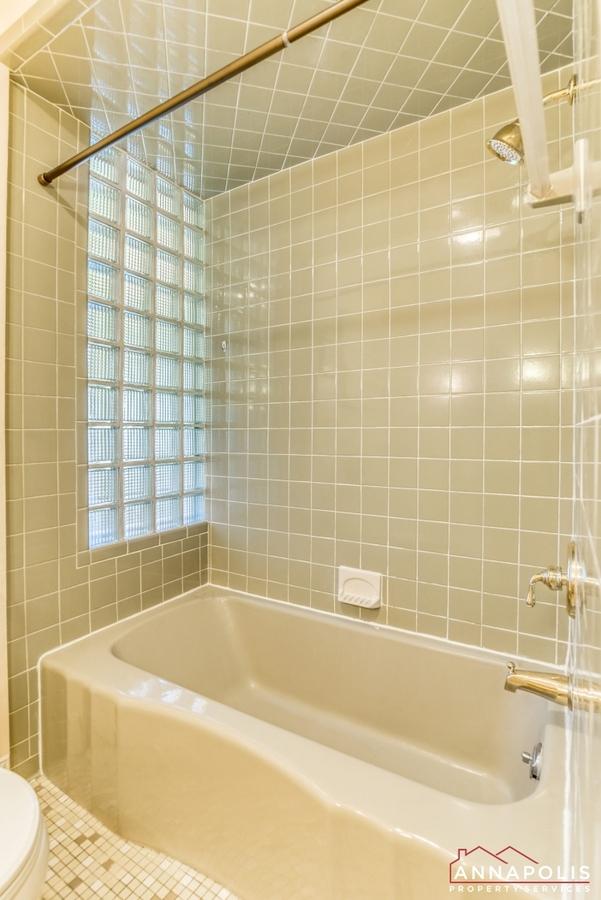1106-miami-ave-id971-upper-bath-b(1)