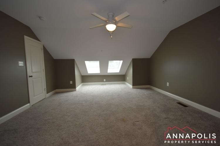 108-vanguard-lane-id966-loft-bn