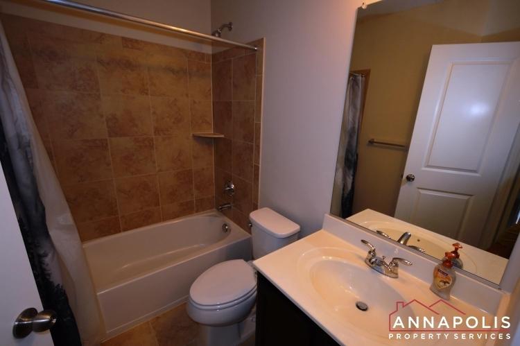 108-vanguard-lane-id966-main-bath-an