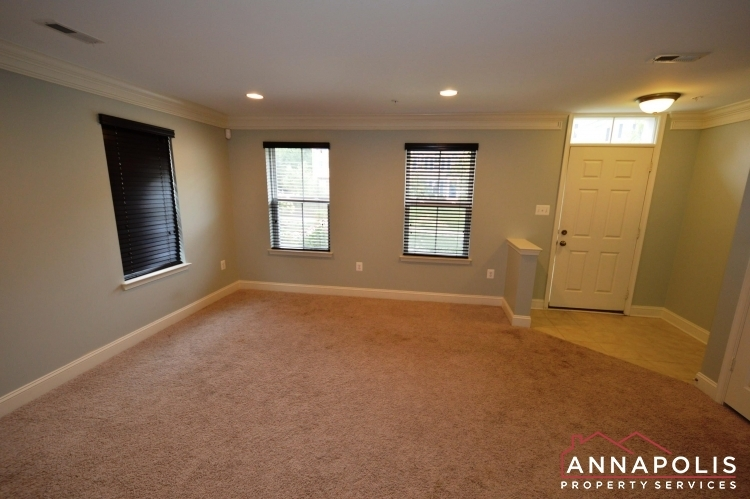 108-vanguard-lane-id966-family-room-an