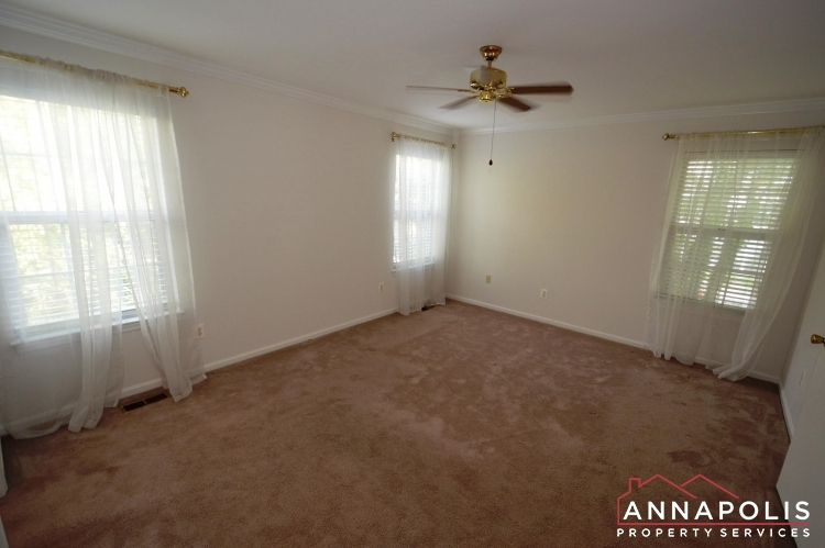 914-breakwater-drive-id976-master-bed-a(3)