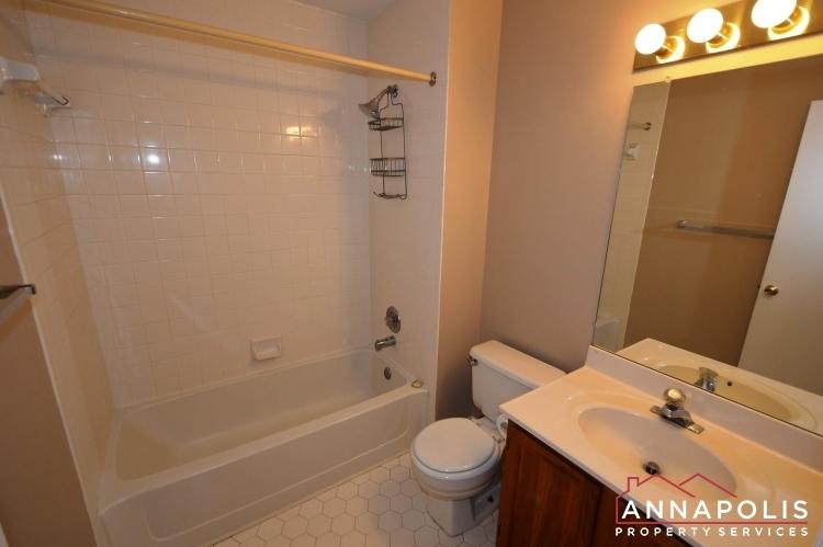 914-breakwater-drive-id976-main-bath-room-a
