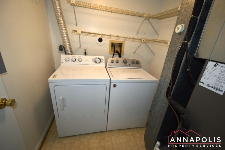 914-breakwater-drive-id976-washer-and-dryer(2)