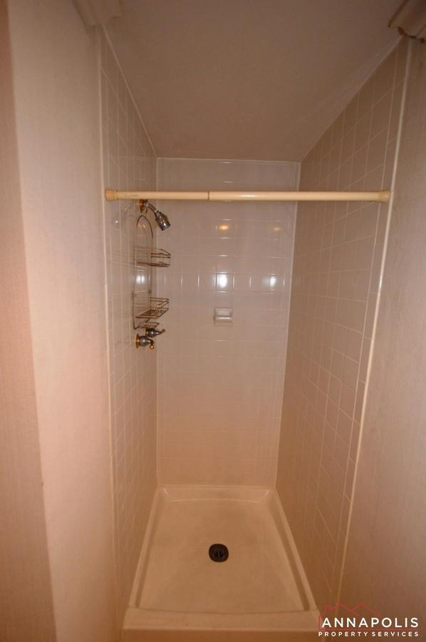 310-burnside-street-id489-shower-first-floor-ann