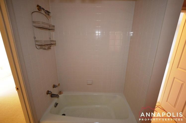 310-burnside-street-id489-bathroom-level-2-cnn