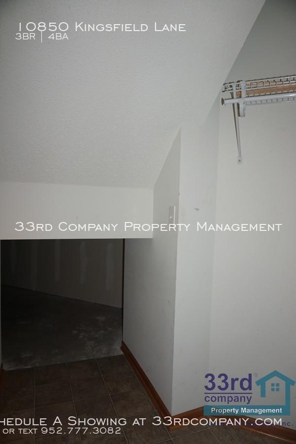29_-_under_stairs_storage_closet_-_1