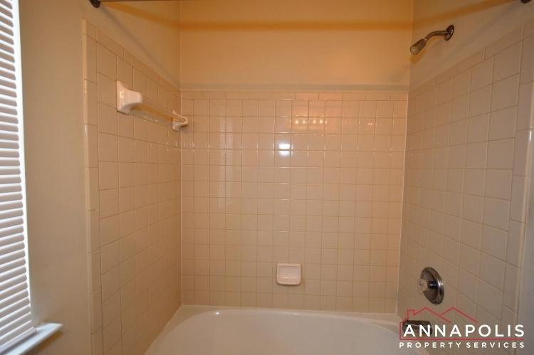 237-braxton-way-id984-main-bath-b(2)