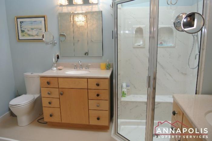2831-seasons-way-id623-master-bathroom