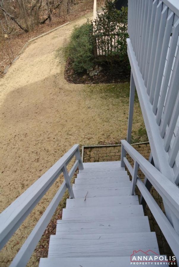 2831-seasons-way-id623-steps-off-deck