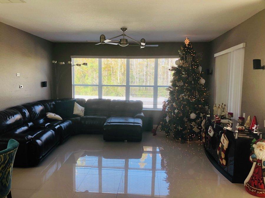 14634_windigo_lane_livingroom