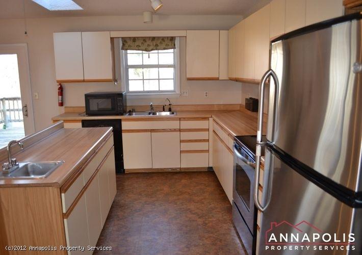 3523a-newport-avenue-kitchen-a-1326742578-id253