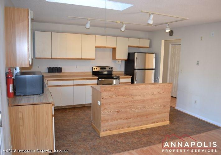 3523a-newport-avenue-kitchen-c-1326742577-id253