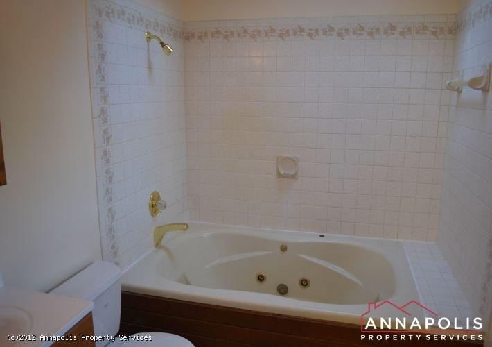 3523a-newport-avenue-master-tub-1326742520-id253