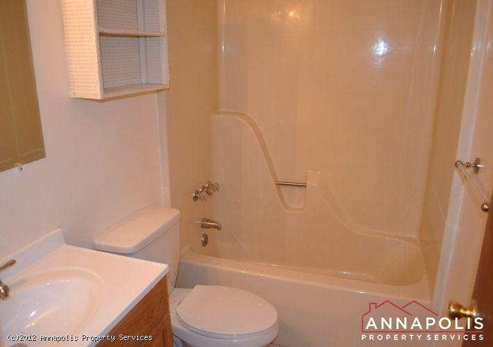 3523a-newport-avenue-main-bath-1326742520-id253