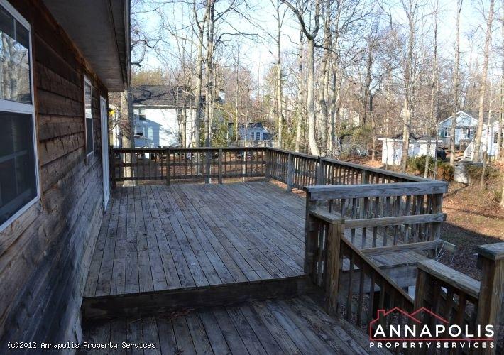 3523a-newport-avenue-back-deck-2-1326742379-id253
