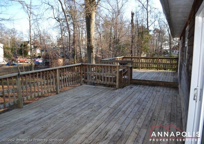 3523a-newport-avenue-back-deck-1-1326742380-id253