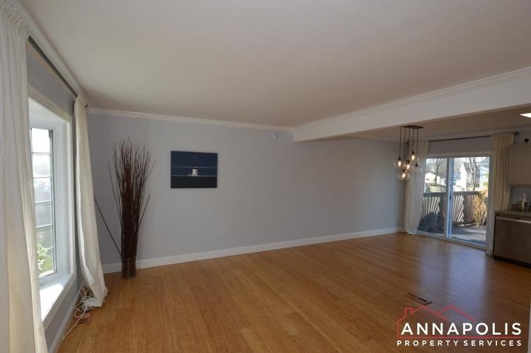 235-gross-ave-id985-livingrooma