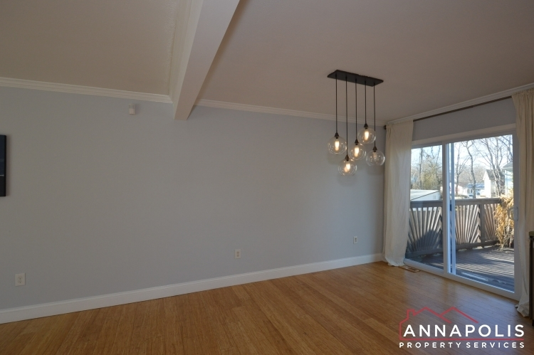 235-gross-ave-id985-diningroom