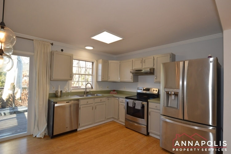 235-gross-ave-id985-kitchen