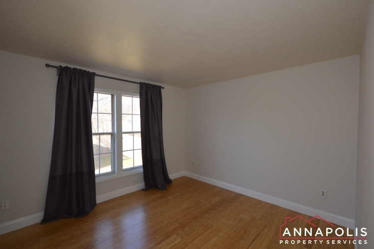 235-gross-ave-id985-masterbedroom2