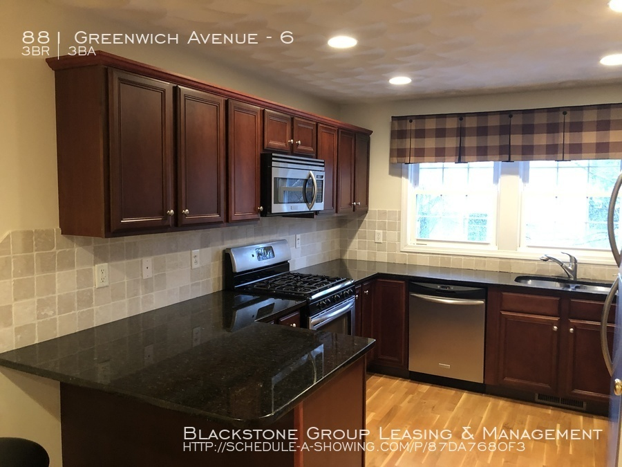 Condo for Rent in Warwick