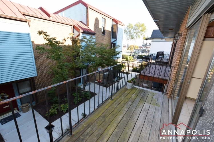 3107-burnside-street-id988-deck-ann