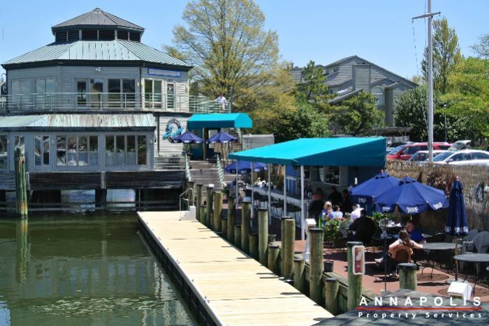 2106e  chesapeake harbour  id629 sams cafe b
