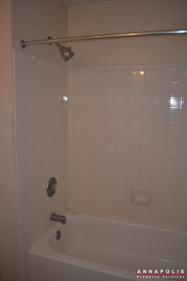 704-orchard-overlook--202--id503-bathroom-1c
