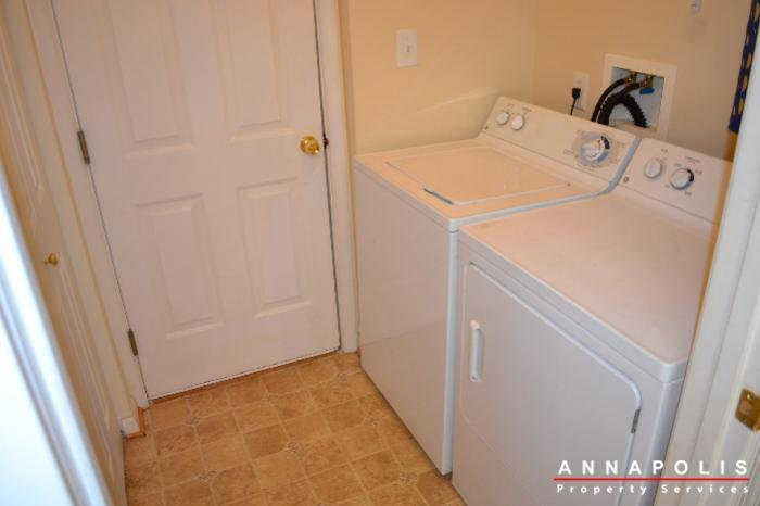 2422-knapps-way-id505-washer-and-dryer
