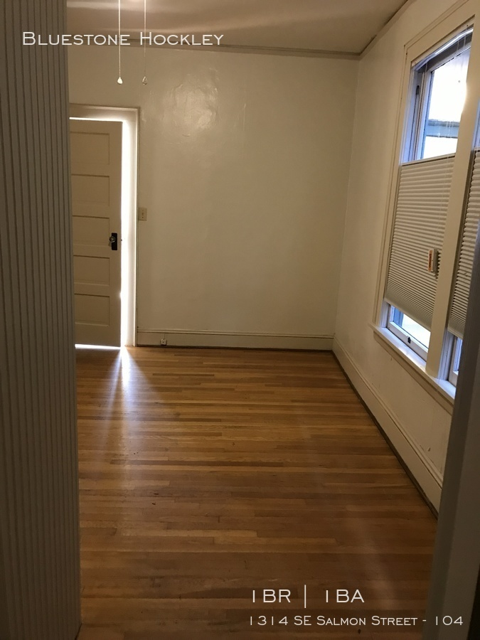 Euge 104 bedroom 2