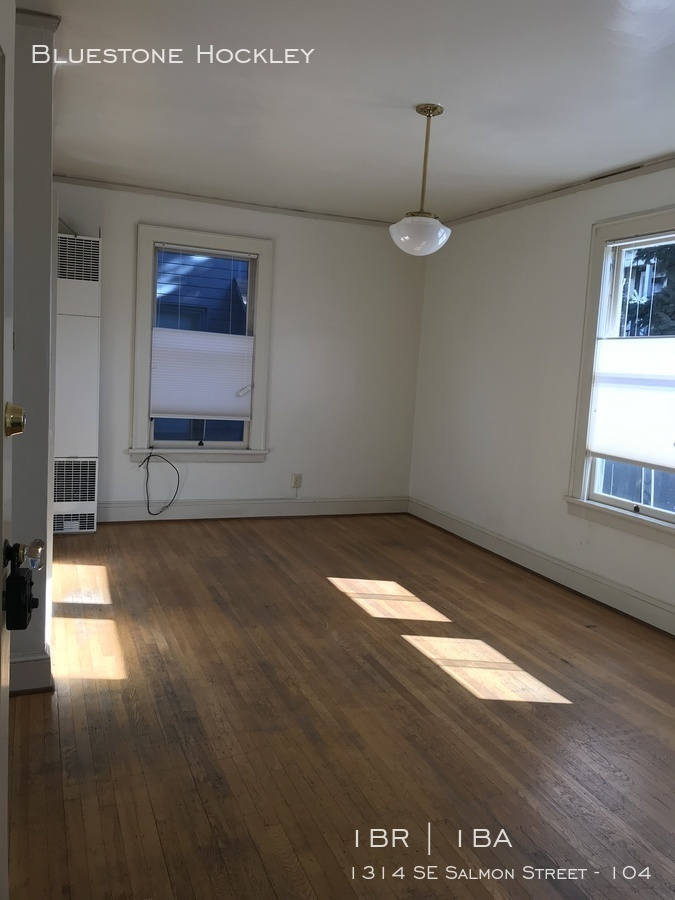 Euge 104 living room 1
