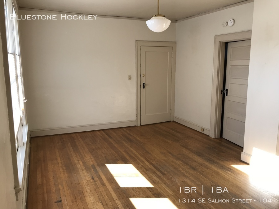 Euge 104 living room 3